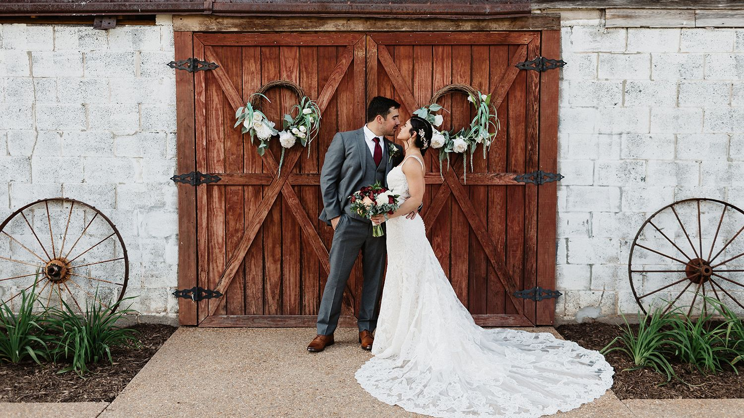 Rustic Chic Hay Barn Bride And Groom